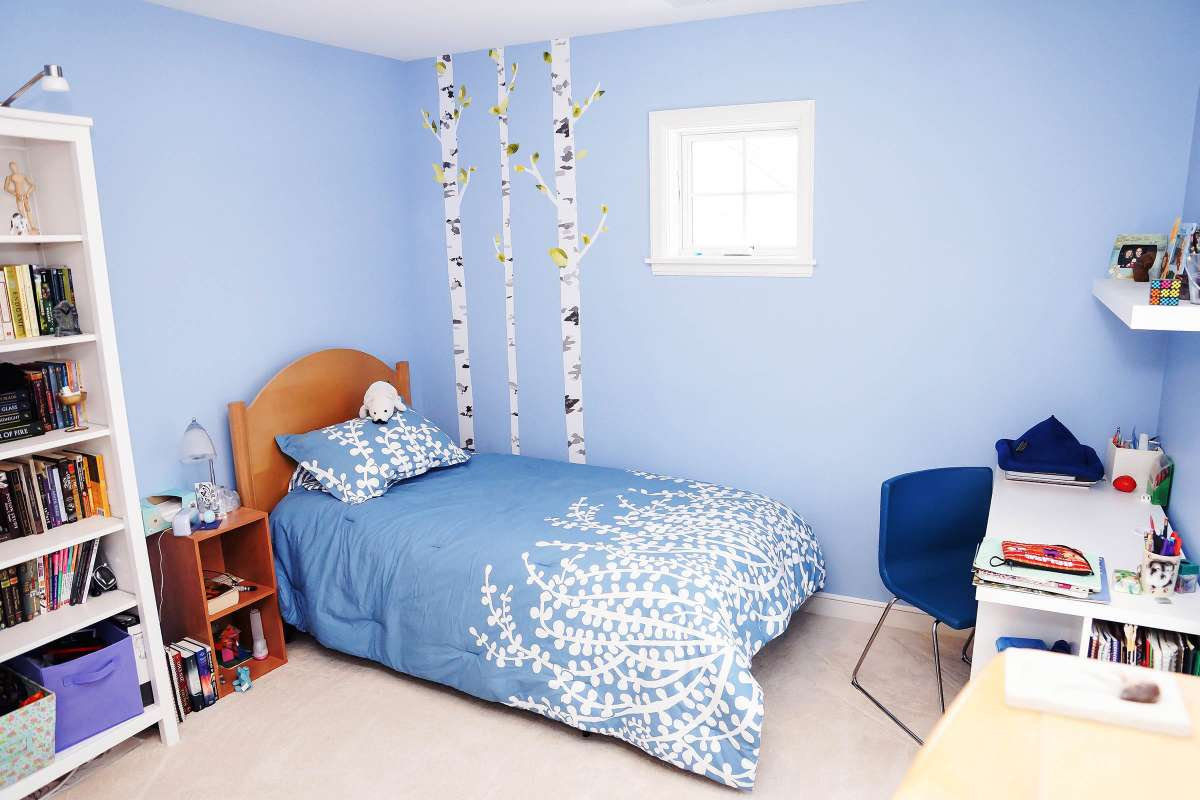 Blue room with blue cover bed